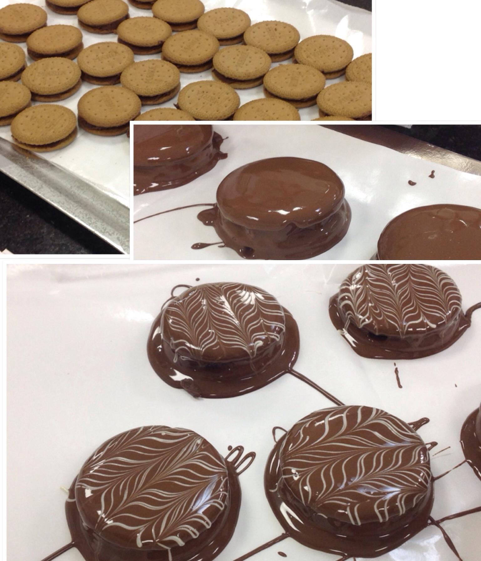 Curso de culinaria Prodasa/Harald - Alfajor de chocolate com biscoito Prodasa