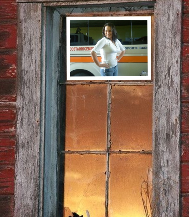 Atraves de la ventana de mi cuarto veo caer la lluvio y pienso en ti