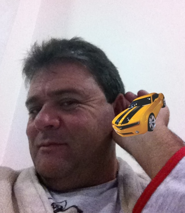 Ouvindo Camaro Amarelo.
